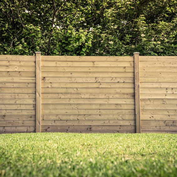 wooden horizontal fence
